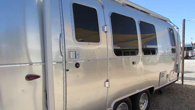 New 2020 Airstream Globetrotter 23FBQ