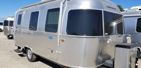 2020 Airstream Bambi 22FB Fixed Front Bed
