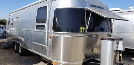 2019 Airstream Flying Cloud 27FBT Front Twin