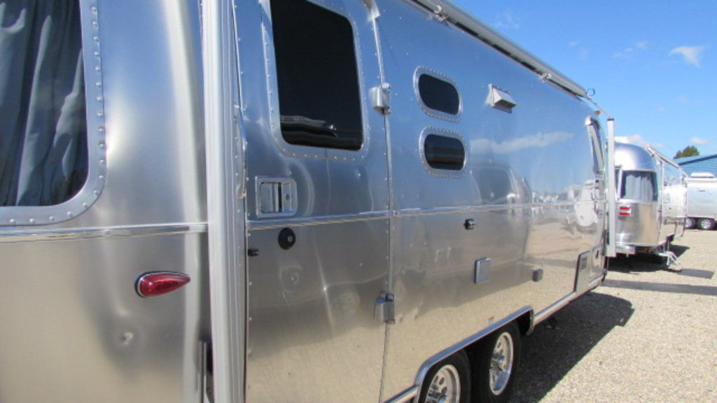 New 2019 Airstream Globetrotter 25FBQ