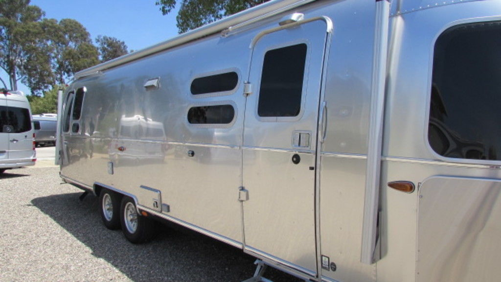 New 2019 Airstream International Serenity 30RB