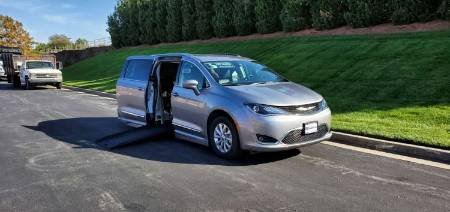 2019 Chrysler Pacifica Touring L Wheelchair Van