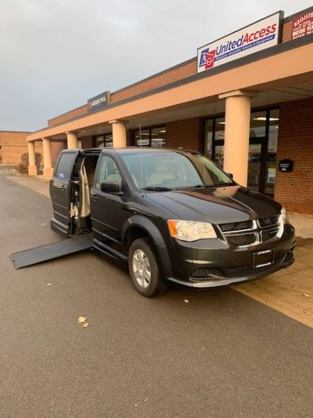 2012 Dodge Grand Caravan SE Wheelchair Van