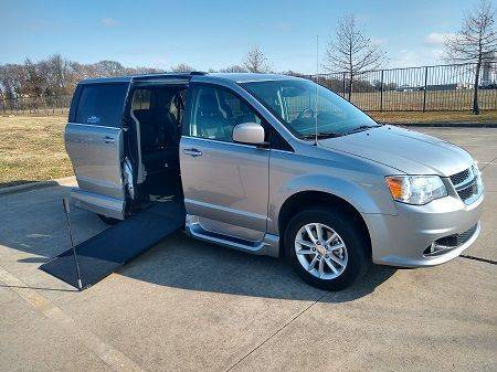 2018 Dodge Grand Caravan SXT Wheelchair Vehicle