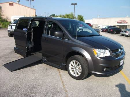 2018 Dodge Grand Caravan SXT Wheelchair Van