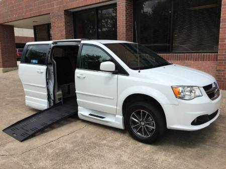 2017 Dodge Grand Caravan SXT Wheelchair Van