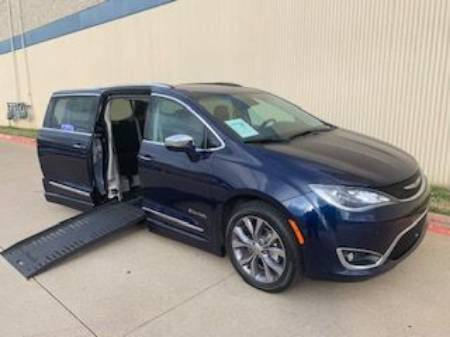 2020 Chrysler Pacifica Limited Wheelchair Van