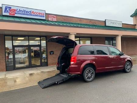 2019 Dodge Grand Caravan SE Plus Wheelchair Van