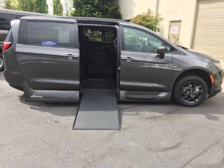 2019 Chrysler Pacifica Touring L Plus Sport