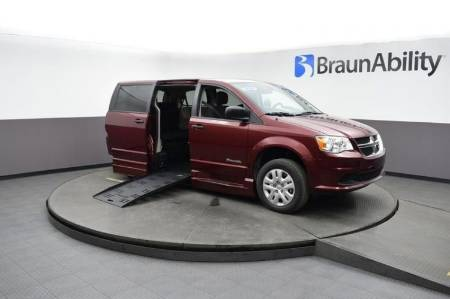 2019 Dodge Grand Caravan SE Wheelchair Van