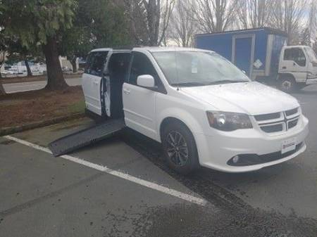 2017 Dodge Grand Caravan GT Wheelchair Van