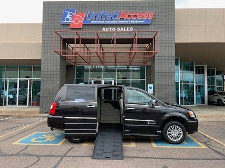 2015 Chrysler Town & Country Touring L Wheelchair Vehicle