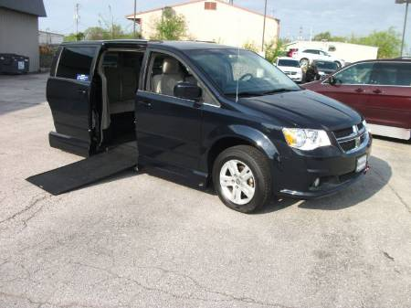 2011 Dodge Grand Caravan Crew Wheelchair Van