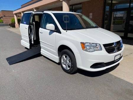 2012 Dodge Grand Caravan SXT Wheelchair Van