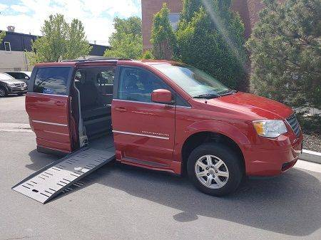 2009 Chrysler Town & Country Touring Wheelchair Van
