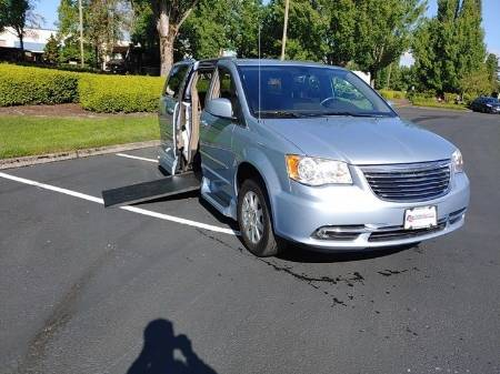 2013 Chrysler Town & Country Touring Wheelchair Van
