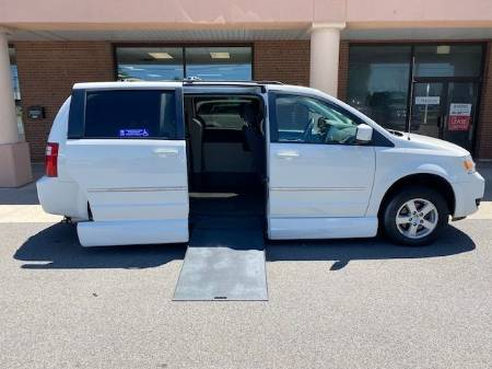 2010 Dodge Grand Caravan SXT Wheelchair Van