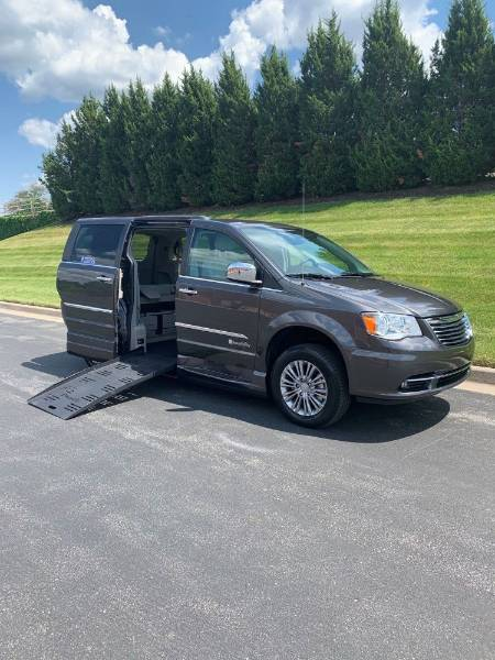 2016 Chrysler Town & Country Touring L Wheelchair Van