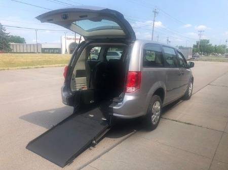 2014 Dodge Grand Caravan SE Wheelchair Van