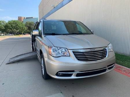 2016 Chrysler Town & Country Limited Wheelchair Van