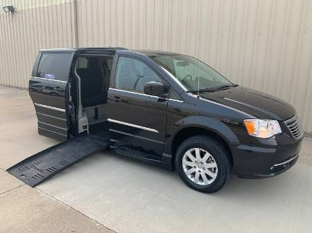 2016 Chrysler Town & Country Touring Wheelchair Van