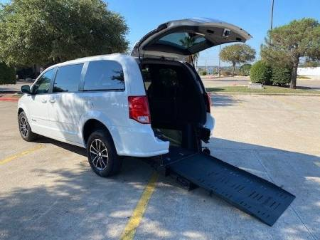 2016 Dodge Grand Caravan RT Wheelchair Vehicle