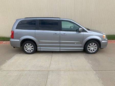 2014 Chrysler Town & Country Touring L Wheelchair Van