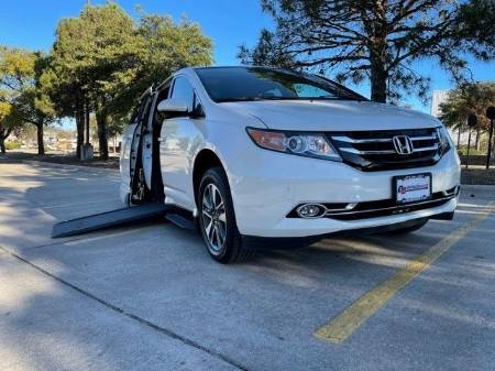 2014 Honda Odyssey Touring Elite Wheelchair Vehicle