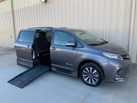 2018 Toyota Sienna Limited Wheelchair Van