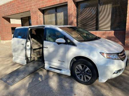 2015 Honda Odyssey Touring Wheelchair Vehicle