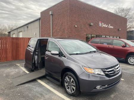 2016 Honda Odyssey Touring Elite Wheelchair Van