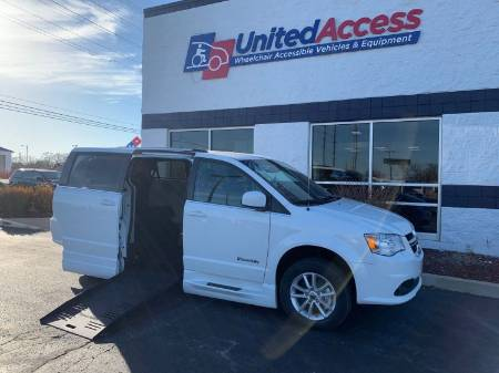 2020 Dodge Grand Caravan SXT Wheelchair Van